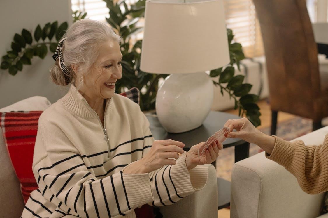 Comment accompagner une personne âgée en fin de vie ?